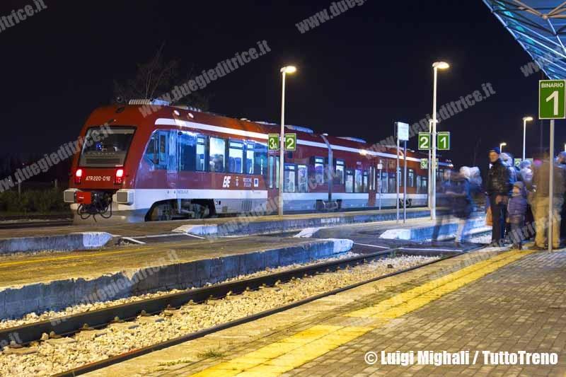 FSE-ATR220–016-StazioneNovoli-RelazioneNovoliCopertino-TreniSpecialiFocàraNovoli-2013-01-16-MighaliL-wwwduegieditriceit-WEB
