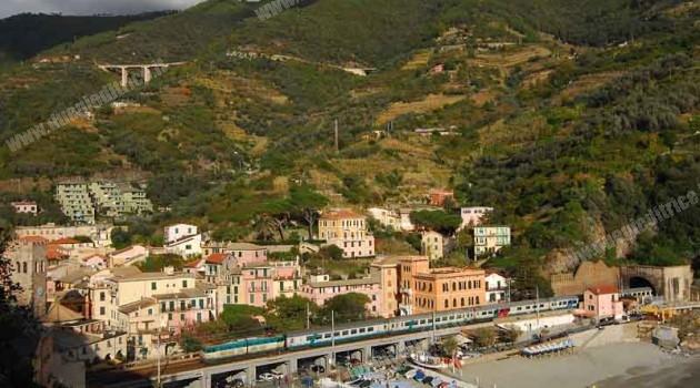 Maltempo Liguria, Linea Genova – La Spezia: circolazione sospesa tra Corniglia e La Spezia