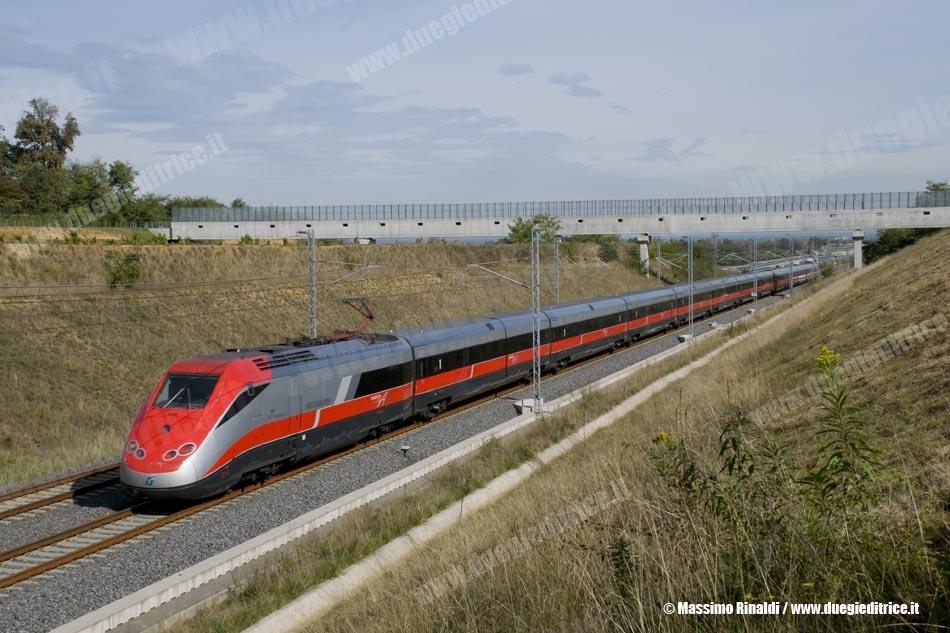 ETR500_02_ESAV9550Roma_Torino_LineaAVACTorinoNovara_Brianco_2010_10_19_RinaldiM_wwwduegieditriceit