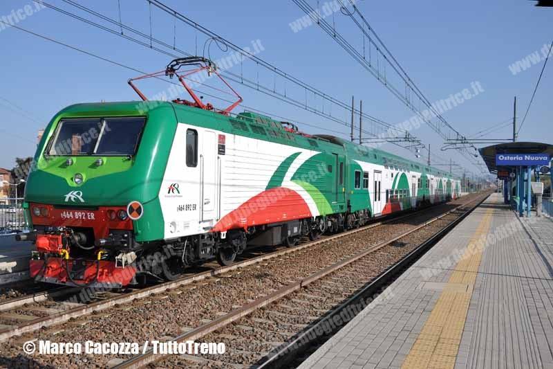 FER-E464_892ER-OsteriaNuova-2010-04-10-MarcoCacozza-wwwduegieditriceit-WEB