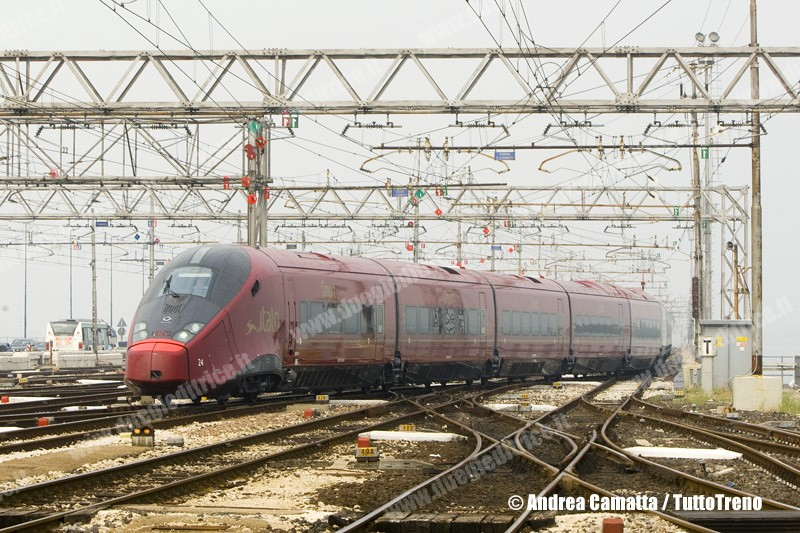 NTV-AGV575_024-ItaloNCLS16420BolognaVenezia-CorsaProvaConoscenzaLinea-VeneziaSL-2012-09-12-CamattaA-JJEP8135