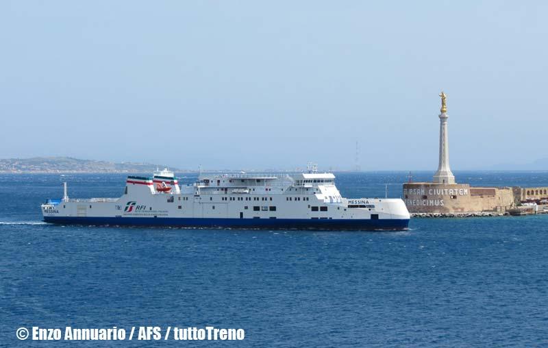RFI-Bluvia-TraghettoMessina-arrivoAlPortoDi-Messina-AnnuarioEnzo-AFS-wwwduegieditriceit-1