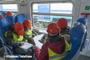 Trenitalia-compilazione_questionari-visita_Stazione-Savona-2013-04-05-fotoFSItaliane-wwwduegieditrice-1