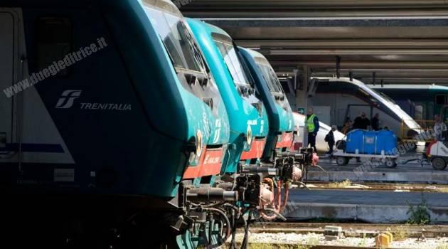 Trenitalia: più fermate, più treni e agevolazioni per il 55° anniversario delle Frecce Tricolori
