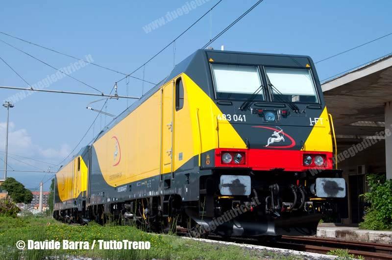 Ferrotramviaria-E483_041+040-RientrateDaCorsaProva-VadoLigureZonaIndustriale-2013-05-02-DavideBarra-wwwduegieditriceit-WEB