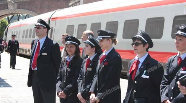 Bambini arrivano in Vaticano con il Pendolino