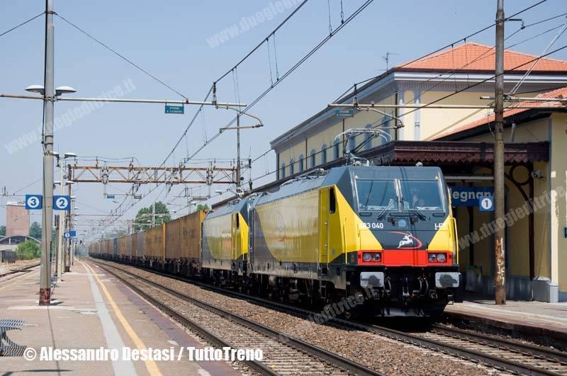 Ferrotramviaria-E483_040+E483_041FT-TrenoTCS51085MilanoSmistamentoFalconara-Melegnano-MI-2013-06-30-DestasiAlessandro-2-wwwduegieditriceit-WEB