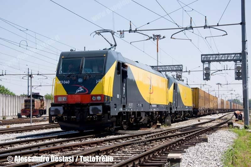 Ferrotramviaria-E483_040+E483_041FT-TrenoTCS51085MilanoSmistamentoFalconara-MilanoSmistamento-MI-2013-06-30-DestasiAlessandro-1-wwwduegieditriceit-WEB