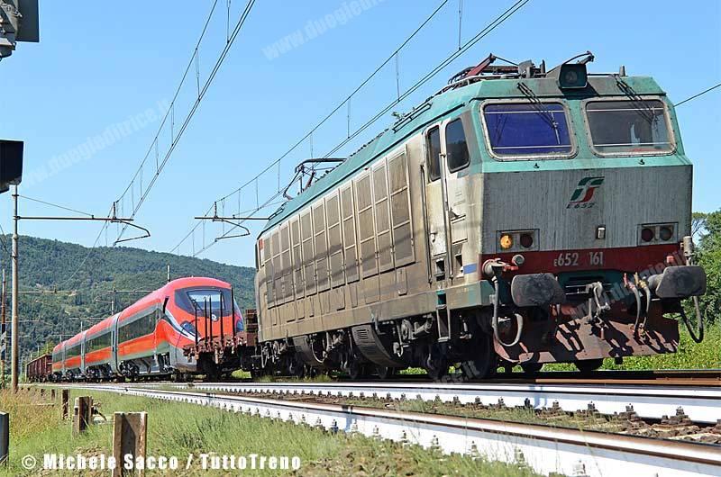 E652_161-Frecciarossa1000_02-BivioSamminiatello_2013-08-12-SaccoMichele_rid