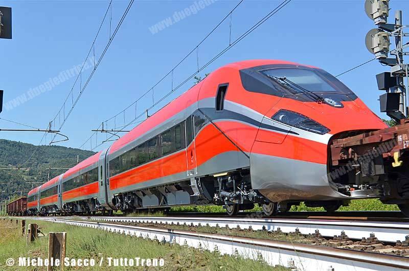 Frecciarossa1000_02-BivioSamminiatello_2013-08-12-SaccoMichele_01_rid