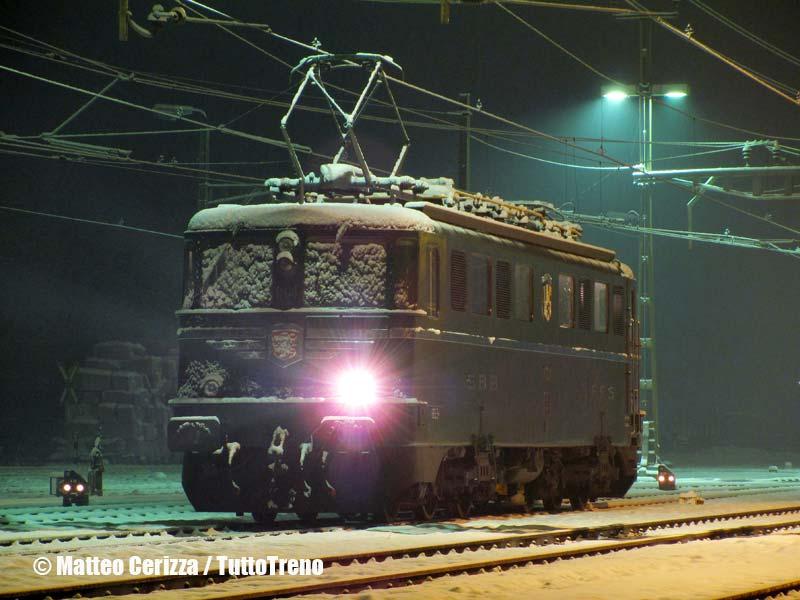 SBB-Ae6-6_11421-Biasca-2010-12-05-CerizzaMatteo-wwwduegieditriceit-WEB
