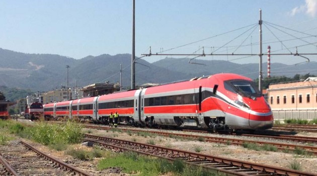Frecciarossa 1000 in movimento