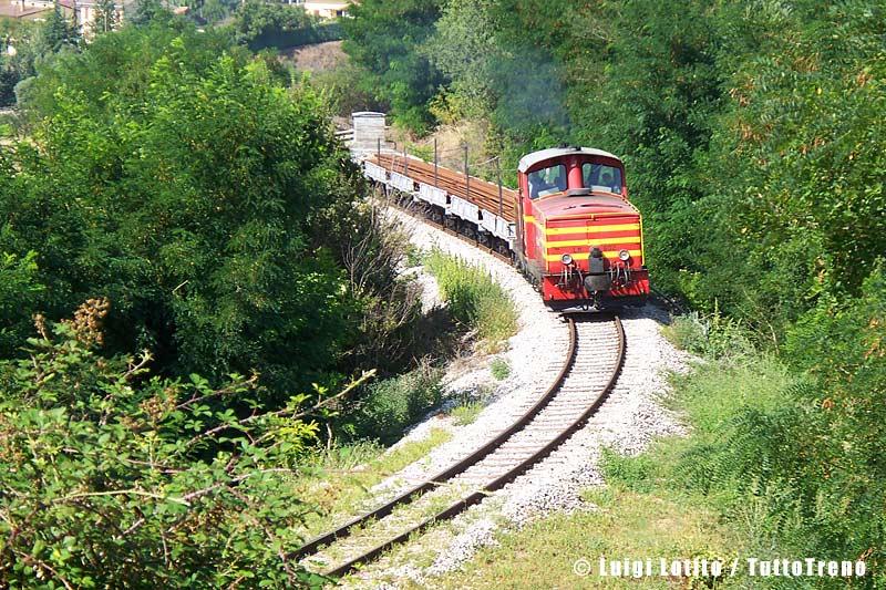 FAL-LM4_602+sestina_trasporto-rotaie+Vaiacar_Impresa_Ventura-SanNicolaPietragalla-2013-08-23-LotitoL-100_2900