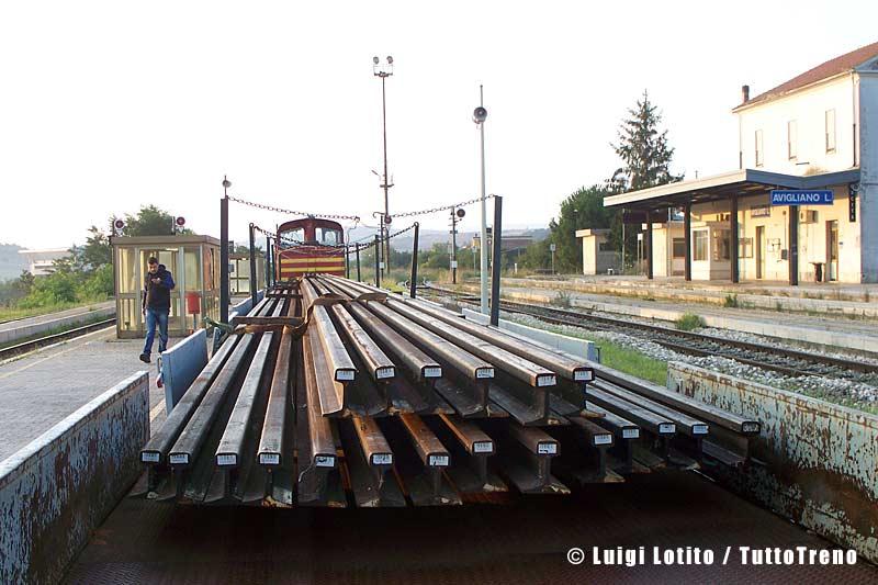 FAL-LM4_602+sestina_trasporto-rotaie-AviglianoLucania-2013-08-23-LotitoL-100_2875