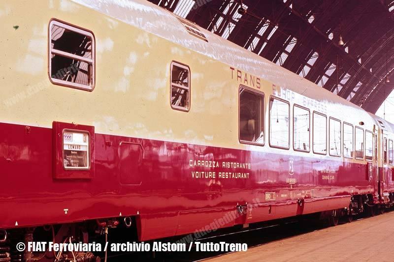 TEE-Rz-61_83_89-90_900-3-Rz-FS-vetturaristoranteTEE-Milano-1972-FIATFerroviaria-ArchivioAlstom-wwwduegieditriceit-WEB