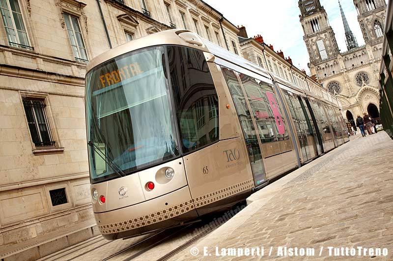 Alstom-Tram-Citadis-Orleans-LampertiE