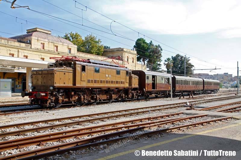 E626_428-trenoSpecialeDGEG-CaltanissetaCentrale-2013-10-26-SabatiniBenedetto_wwwduegieditriceit_MG_8963