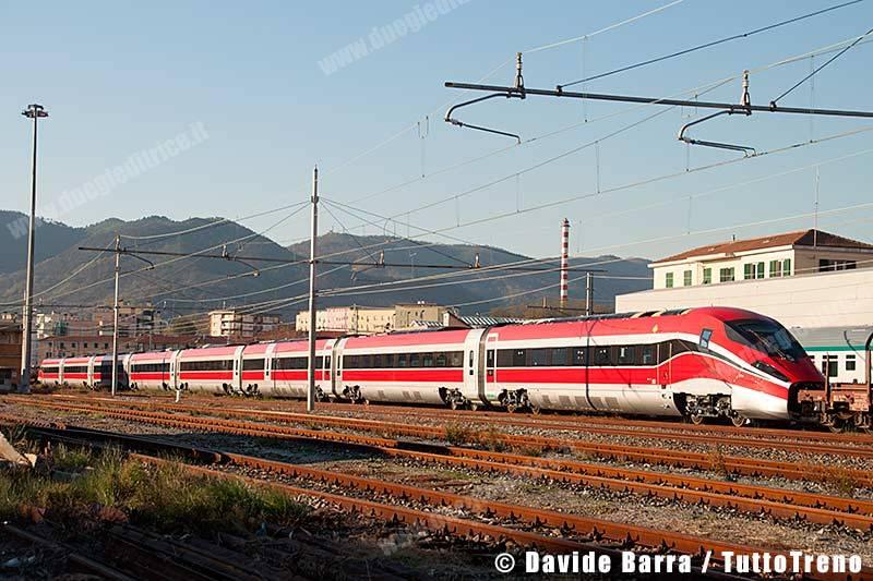 ETR400_02-InManovraPerInvioIMCNapoliGianturco&Prove-VadoLigureZonaIndustriale-2013-11-27-DavideBarra