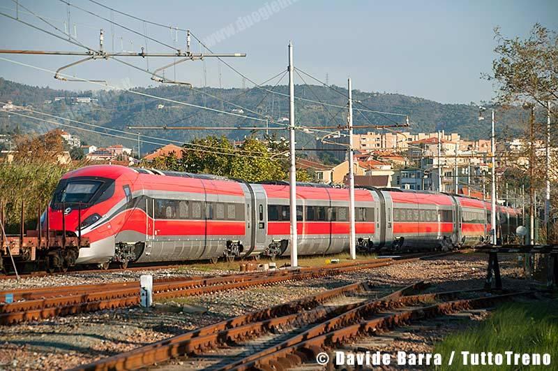 ETR400_02-InManovraPerInvioIMCNapoliGianturco&Prove-VadoLigureZonaIndustriale-2013-11-27-DavideBarra_DSC0080