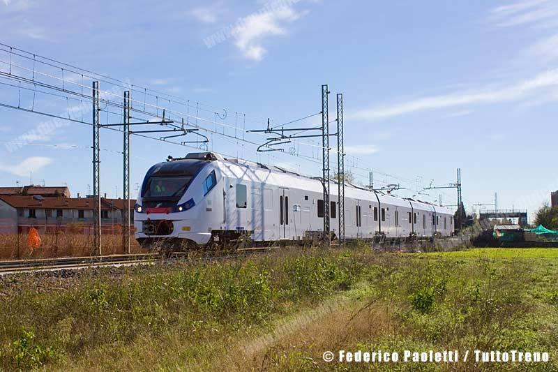 ETR425_001-Cislago-2013-11-06-PaolettiFederico-IMG_9735