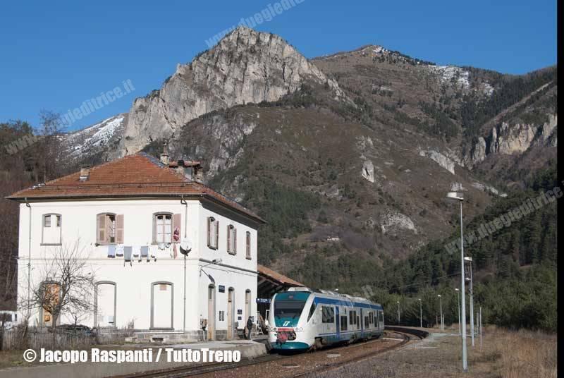 ALn501_042-MD_42-Vievola-2009-12-27-Rovatti-1-wwwduegieditriceit-WEB