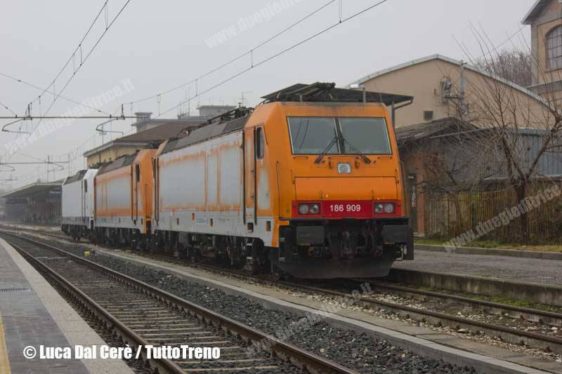 E 186 RCI rese a Macquarie European Rail