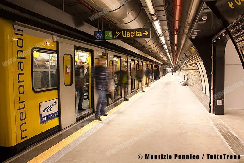 MN-AperturaServizioGaribaldiLinea1-Napoli-2013-12-31-MaurizioPannico0013