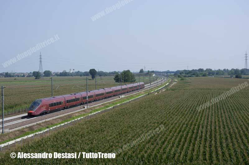 NTV-AGV575_12-TrenoES9930NapoliCentraleMilanoPortaGaribaldi-LodiVecchio-LO-2013-08-23-DestasiAlessandro-wwwduegieditriceit-WEB