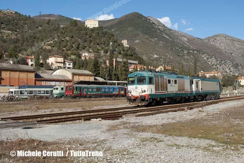 D445_1108+E464_102-Invio_LIS_Torino_Smistamento_XXMiglia-Breil_sur_Roya-2014-01-24-CERUTTIMichele-DSC_1488-wwwduegieditriceit-WEB