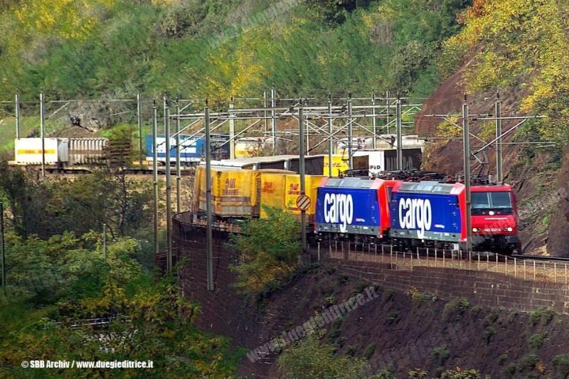 SBBCargo_E482_061031_Kombinierter_Verkehr_FotoSBB_wwwduegieditriceit