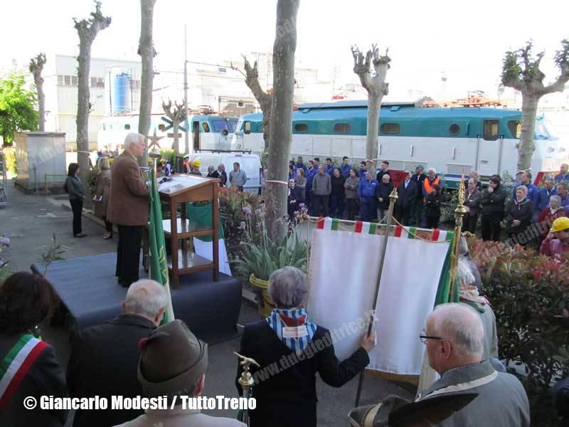 CommemorazioneFerrovieriPartigiani-scolaresche-DL_Milano_Greco-M