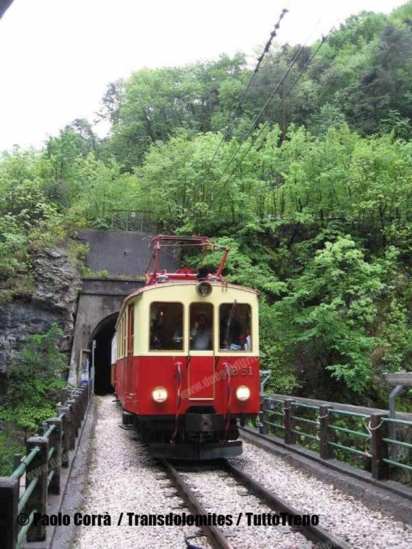 FTM-B51-trenoTransolomites-Rocchetta-2014-04-27-PaoloCorraa-Transdolomites-wwwduegieditriceit-IMG_0698