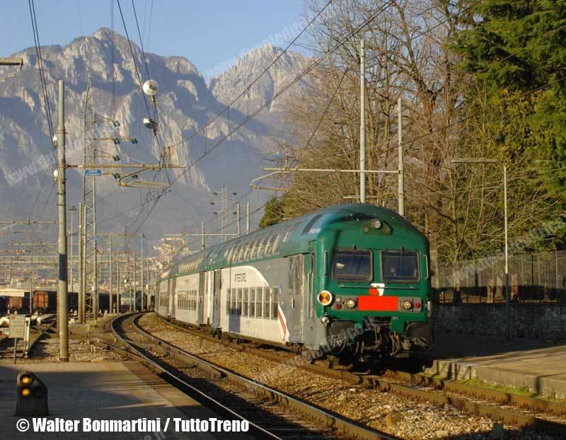 Trenord 6 carrozze sui treni della s8 lecco milano p g - Trenord porta garibaldi ...