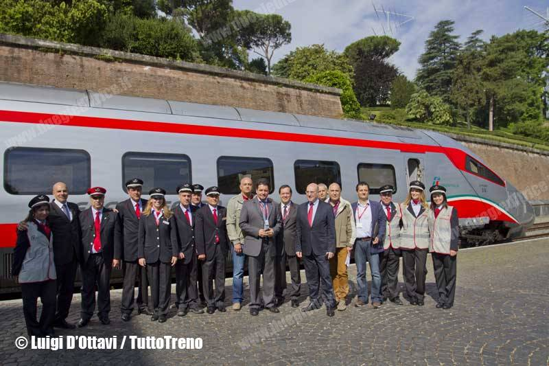 ETR600_03-viaggioNapoliVaticano-Vaticano-2014-05-31-DOttaviLuigi_wwwduegieditriceit-1