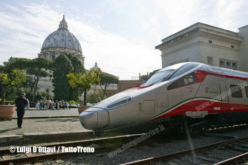 ETR600_03-viaggioNapoliVaticano-Vaticano-2014-05-31-DOttaviLuigi_wwwduegieditriceit-2