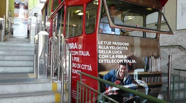 Pubblicità sulla funicolare di Bergamo