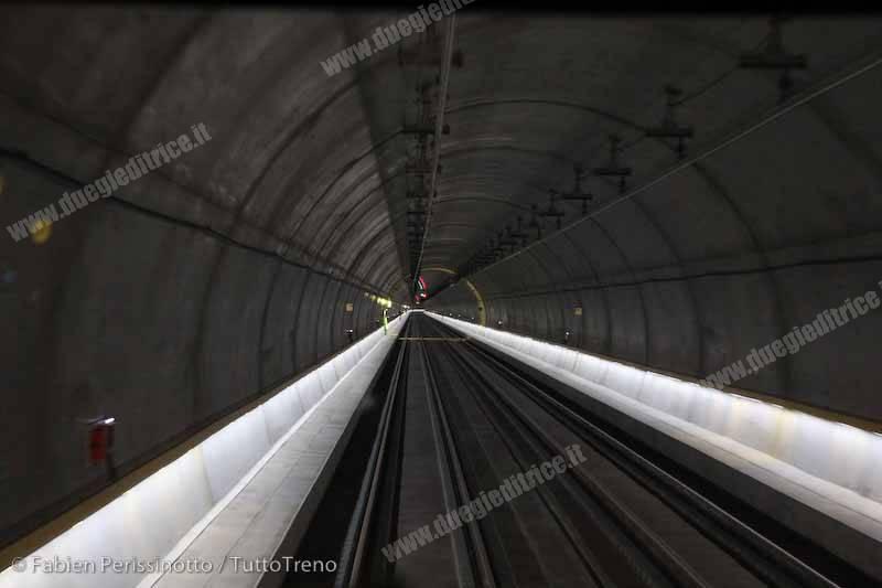 SBB_Linea_Zu_richOerlikon_Zu_richLo_wenstrasse_Weinbergtunnel_2_2014_06_12_PerissinottoFabien-wwwduegieditriceit