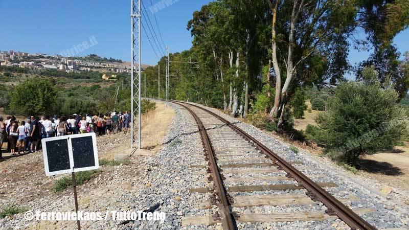 ALn668-TempioDiVulcano-Agrigento-2014-07-12-FerrovieKaos-wwwduegieditriceit