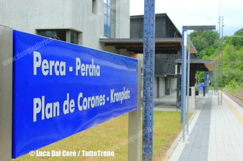 RFI-NuovaDenominazioneStazione-Perca-2014-07-01-DalCereLuca-IMG_4456-wwwduegieditriceit-WEB