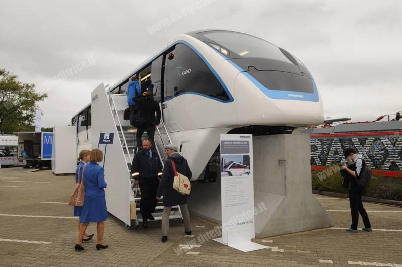 Bombardier-Innovia-20140922-171106-61866585.jpg