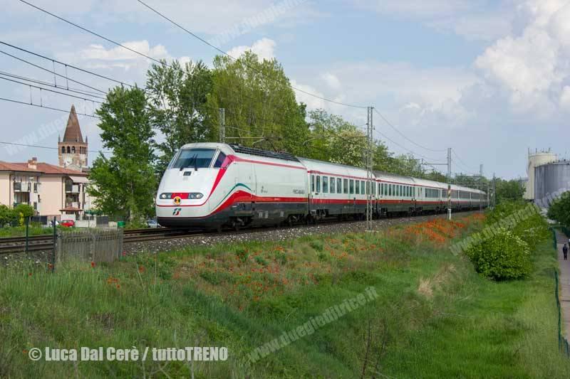 E414_xxx-Frecciabianca-trenoES9728VeneziaTorino-LineaMilanoVenezia-SanBonifacio-2014-04-22-DalCereLuca-IMG_3221-wwwduegieditriceit-WEB