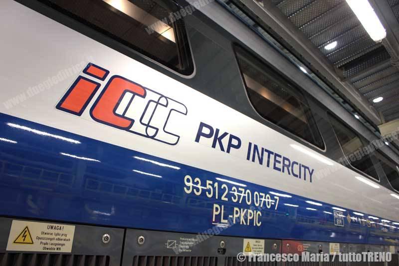 PKPIC-EP250-2014-12-13_14-fmaria-(9)-wwwduegieditriceit-WEB