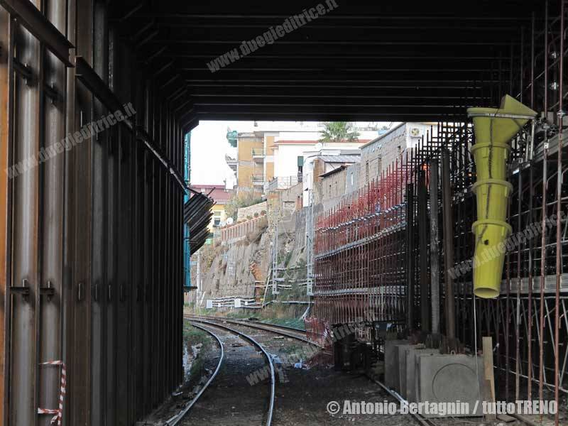 RFI-StazPortici-VillaDElboeuf-interlNaSa-Portici-2014-12-13-BertagninA-010-wwwduegieditriceit-WEB