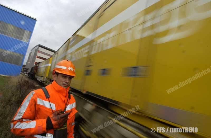 SBB-posteSvizzere-CargoTeam_3835_22093-fotoSBB-wwwduegieditriceit-WEB