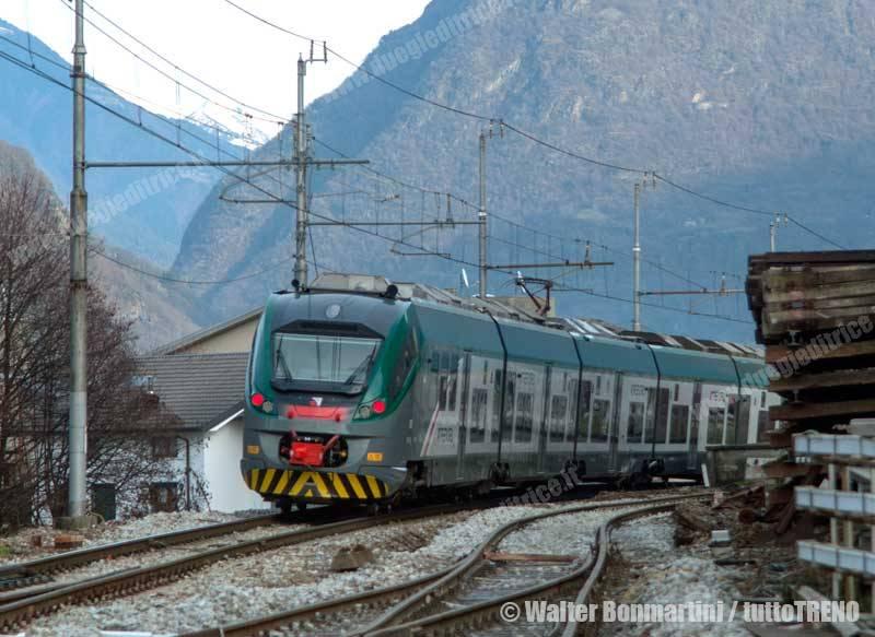 Trenord-nuovo-treno-CORADIA-sulla-Milano-Tirano-Morbegno-2014-12-21-BonmartiniWalter_21-wwwduegieditriceit-WEB