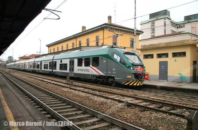 ETR425_024+ETR425_023-RegMilanoVarese-Legano-2015-02-16-BaroniMarco-wwwduegieditriceit-WEB