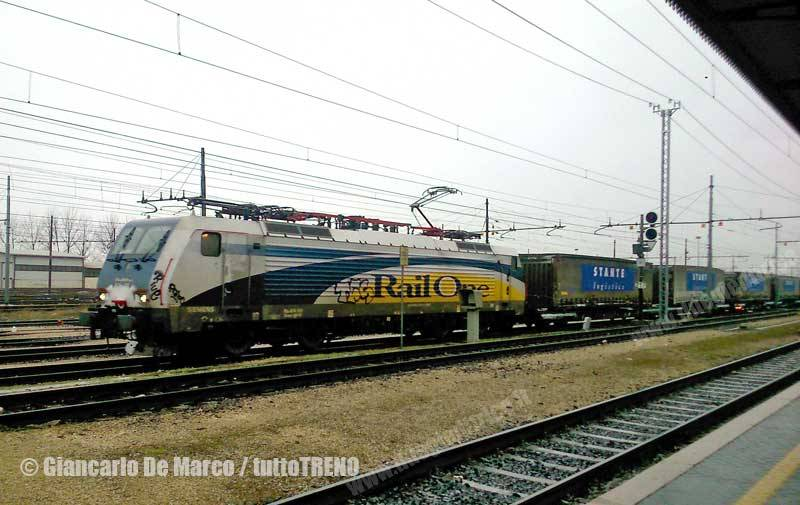 Railone-E474_1xx-TrenoGallarateTarvisio-Verona-2015-02-05-DeMarcoGiancarlo-wwwduegieditriceit-WEB