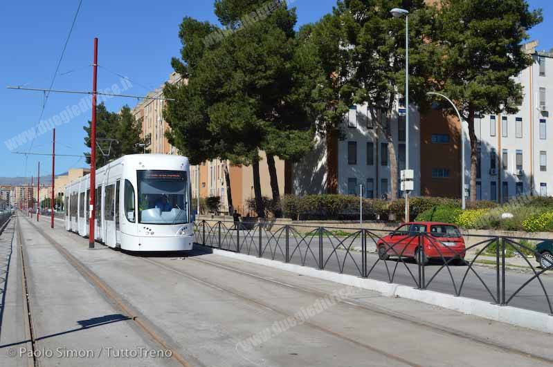 AMAT_Tram01_vialeG_DiVittorio_Palermo_2015_03_03_SimonPaolo-wwwduegieditriceit-DSC_0025
