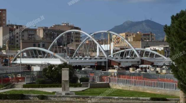 Tram di Palermo: varato il ponte sul fiume Oreto