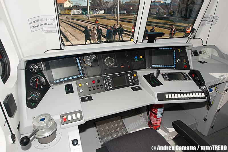 E464_694-ConsegnaNuovoVivaltoVeneto-IMCMestre-2015-03-01-CamattaA-JJEP2149
